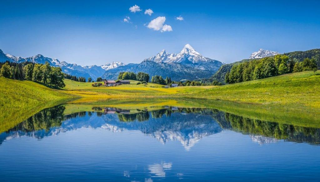 Questa immagine ha l'attributo alt vuoto; il nome del file è paesaggio-alpi-think-1217.jpg